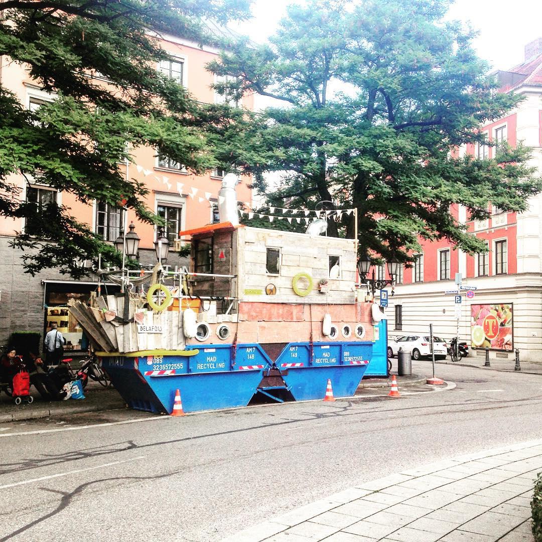 Das ist Kunst Gnstig Wohnen am GrtMEERplatz muenchen grtnerplatz shabbyshabbyapartmentshellip